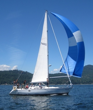 sailboat used in advanced sailing classes
